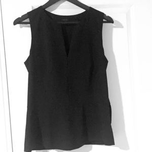 Theory Sleeveless V Neck Top SZ L